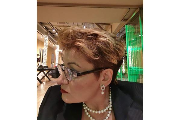 Το Ε.Ε.Α. δίνει το λόγο σε μικρομεσαίους και επαγγελματίες – Φωτεινή Τσούρη, Πρόεδρος του Σωματείου Επαγγελματιών Βιοτεχνών Εμπόρων Αρτέμιδος