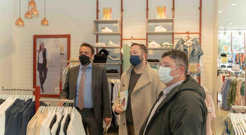 Το Ε.Ε.Α. στα καταστήματα του Δήμου Αχαρνών – Διανομή υγειονομικού & ενημερωτικού υλικού