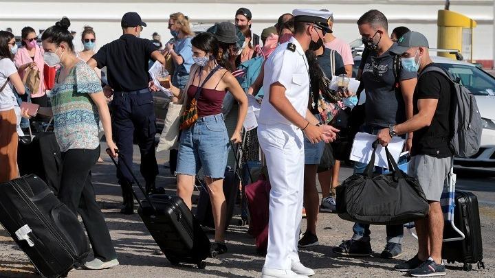 Νέα μέτρα για τις μετακινήσεις με πλοία από την Δευτέρα 13 Σεπτεμβρίου